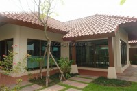 Baan Balina 4 บ้าน สำหรับขาย ใน  พัทยาตะวันออก